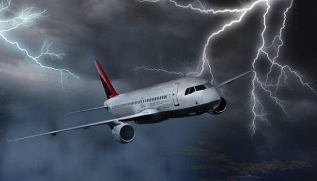 Uçaklar şimşekten nasıl etkileniyor?
